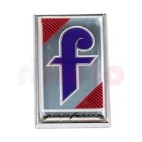 Emblem Pininfarina Motorhaube